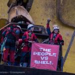 Ekologia: Aktywiści Greenpeace na platformie wiertniczej Shell