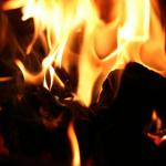 Burzliwa sobota w Calais: Hiszpańska ciężarówka podpalona