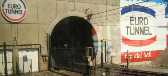 Eurotunnel: rekord transportu ładunków w listopadzie