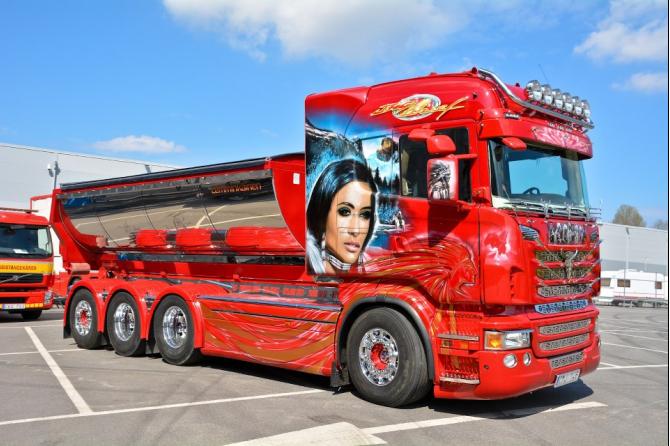 PROMY24.COM przeprawiły najpiękniejsze szwedzkie ciężarówki