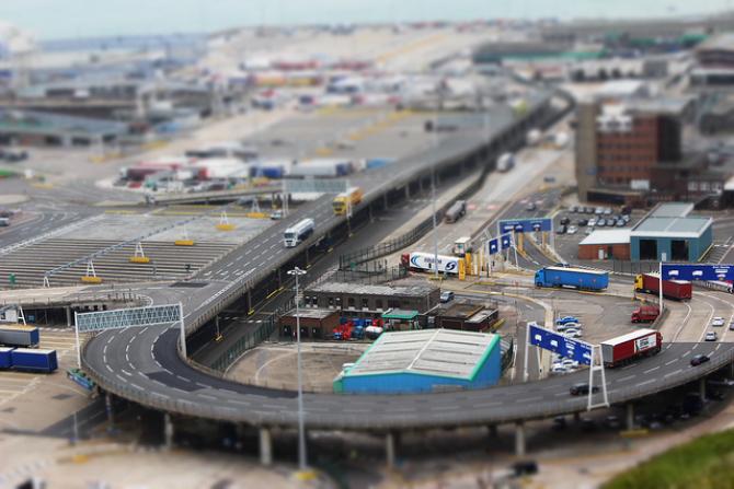 Promy do Anglii: Port w Dover usprawnia odprawy promowe