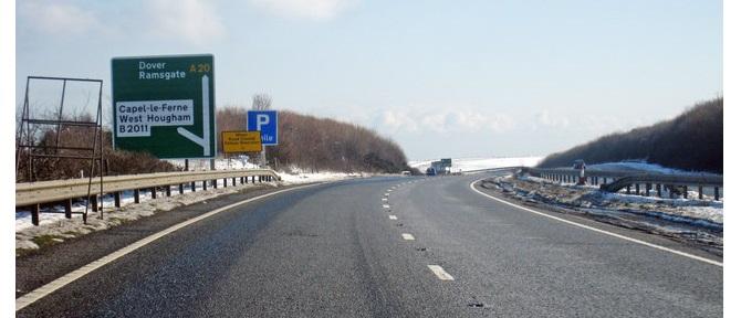 Uważaj! Łatwiej o blokadę na kole na drogach prowadzących do Dover