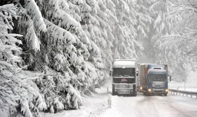 Szwecja: przepisy drogowe w okresie zimowym