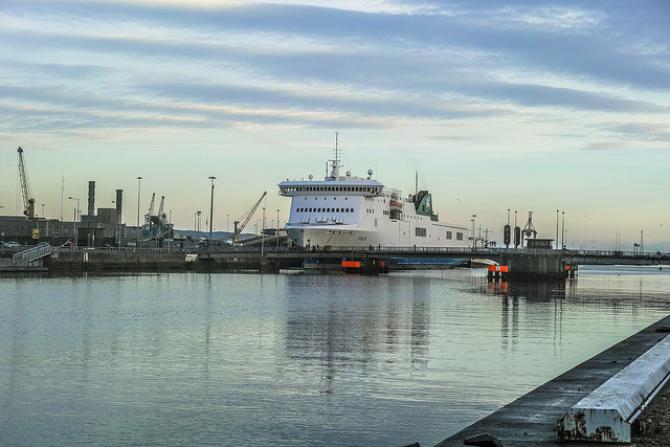 Promy do Irlandii: Wzrost przychodów Irish Ferries w ujęciu rocznym