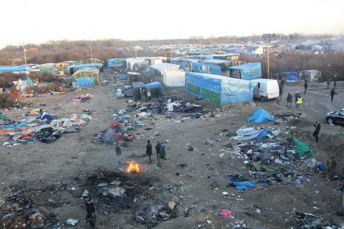 Francja: ewakuacja części obozu dla uchodźców