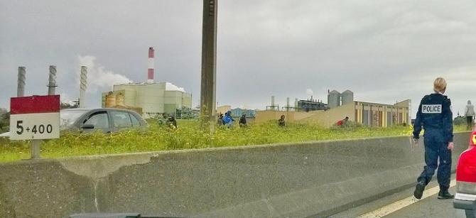 Brytyjskie nadwyżki żywności dla imigrantów w Calais