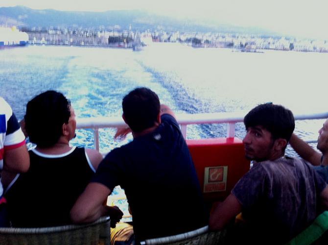 Kolejne transporty promowe imigrantów z Grecji do Turcji