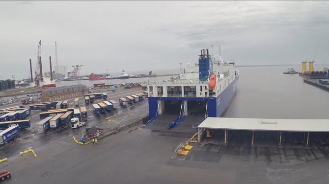Nowy, priorytetowy pas dojazdowy na terminalach DFDS