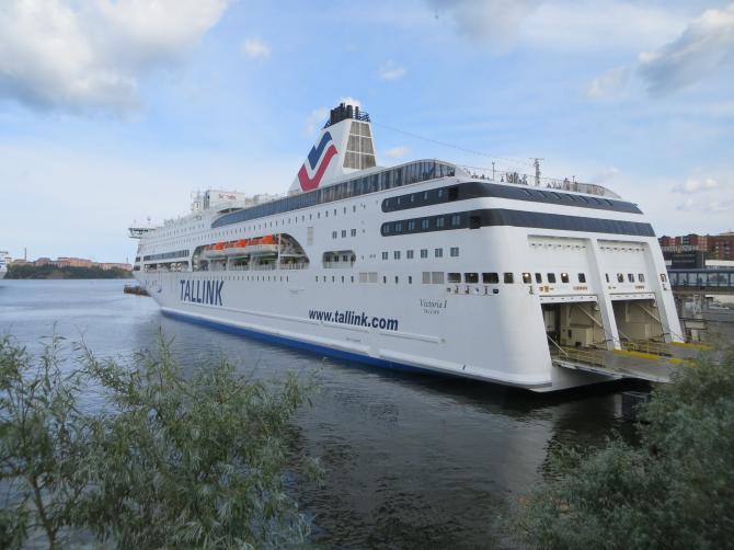 Tallink- przewozy cargo w dół, pasażerskie w górę