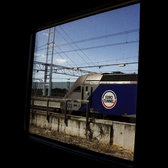 Śmierć migranta na francuskim terminalu Eurotunnelu