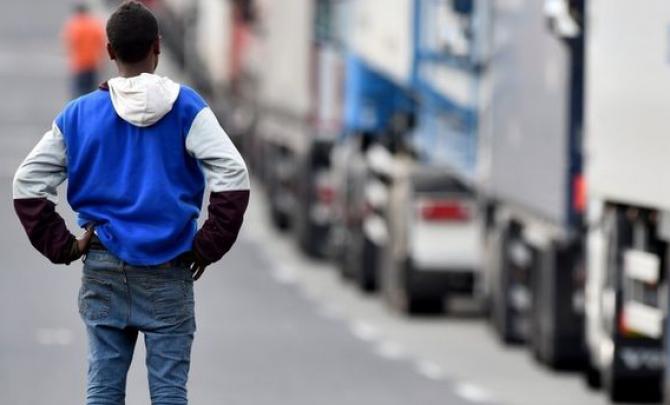 Spedytorzy obawiają się dalszego kryzysu w Calais