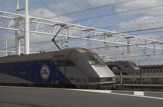 Trzech imigrantów rannych – kursy Eurotunnelu zakłócone