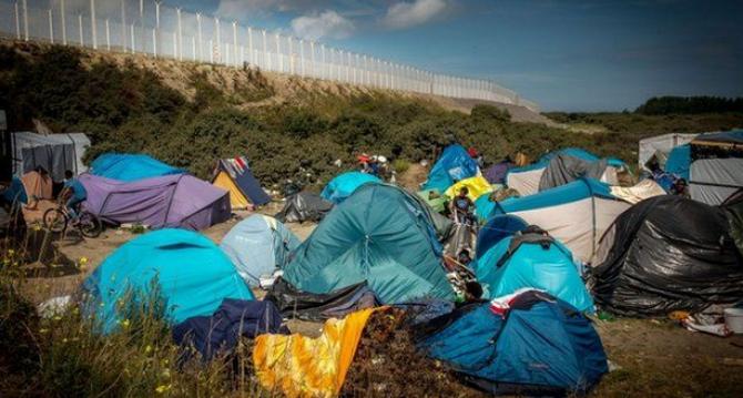 Calais: spada liczba szturmujących Eurotunnel
