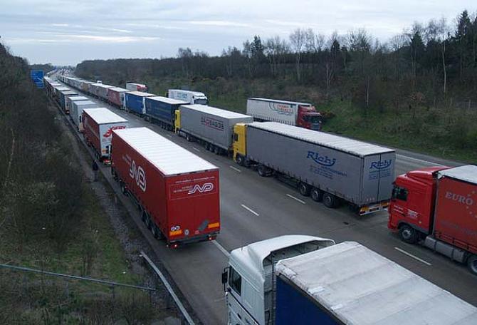 Kryzys w Calais przynosi ogromne straty dla brytyjskiej gospodarki