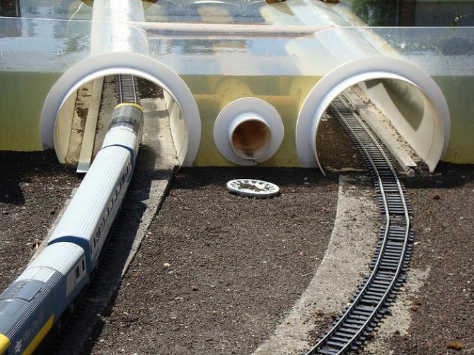 Imigranci wstrzymali ruch pociągów w Eurotunnelu