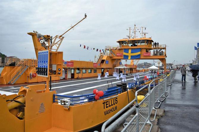 Hybrydowy prom na wodach Szwecji