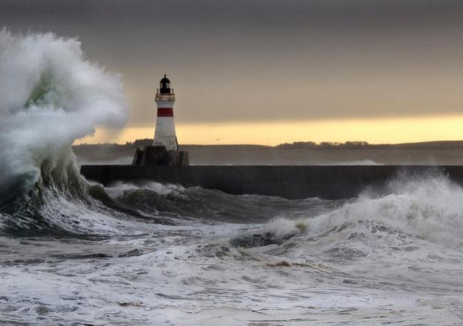 Monitoring warunków pogodowych w portach Szkocji