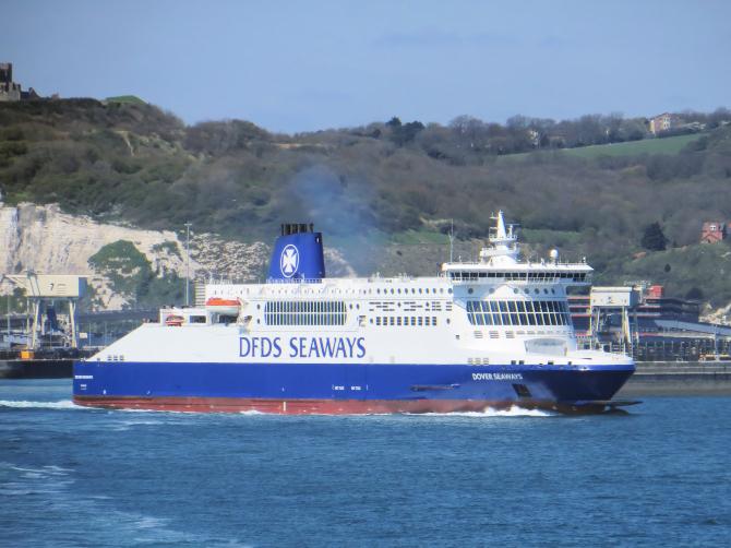 Promy do Anglii: Incydent z udziałem promu Dover Seaways